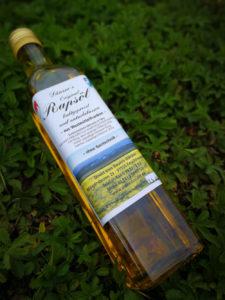Rapsöl in Flasche